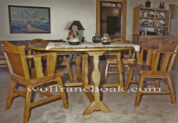 Horseshoe-carved gate leg dining table